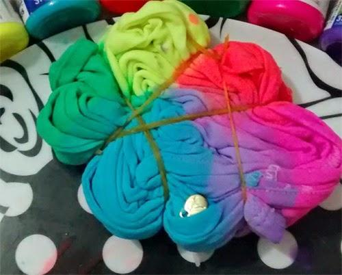 como-fazer-camiseta-customizada-tie-dye-tinta-tecido-4.jpg