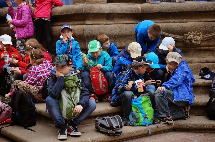 Школьники-туристы