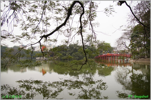 还剑湖边望楼旭桥