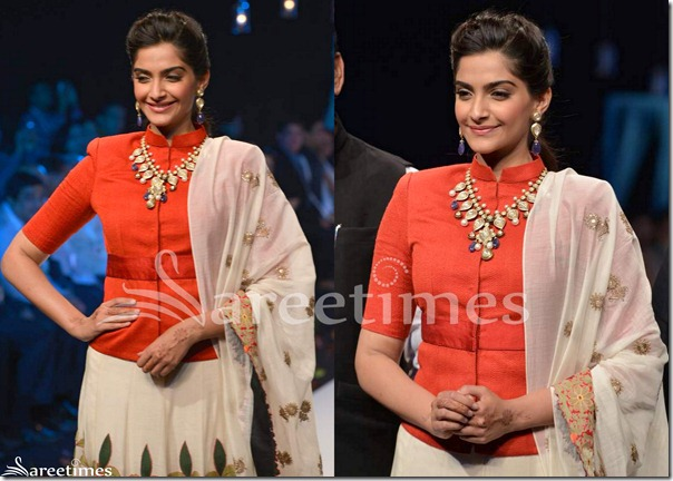 Sonam_Kapoor_Anamika_Khanna_Saree_Blouse