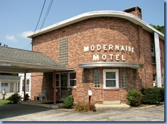 2106 Pennsylvania - PA Route 462 (Market St), York, PA - Lincoln Highway - The Modernaire Motel