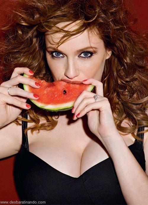 Christina Hendricks linda sensual sexy sedutora decote peito desbaratinando (75)