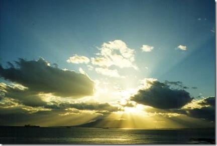 sol-nubes-mar