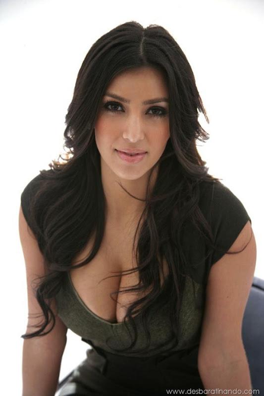 kim-kardashian-linda-sensual-sexy-sedutora-boob-peitos-decote-ass-bunda-gostosa-desbaratinando-sexta-proibida (133)