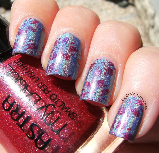 Plate QA16 and holographic polishes nail stamping