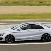 2014-Mercedes-CLA-41.jpg
