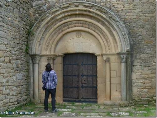 Portada iglesia de San Miguel de Olcoz
