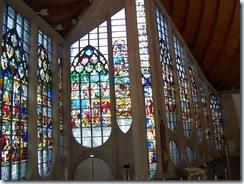 2011.07.08-008 vitraux de l'église Ste-Jeanne d'Arc