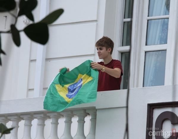 bandeira do brasil-justin-bieber