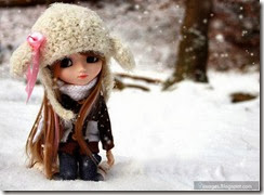 Doll-girl-cute-winter-snowfall