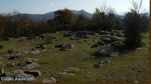 Rocas cerca del Menhir Berraburu