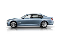 2013-BMW-7-Series-45.jpg
