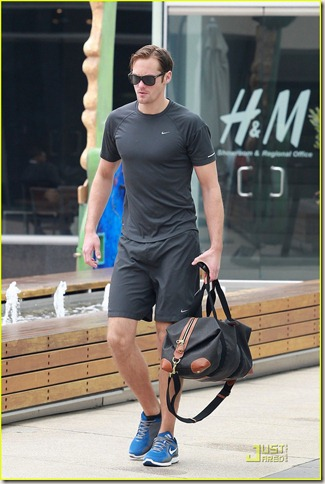 alexander-skarsgard-working-out-02