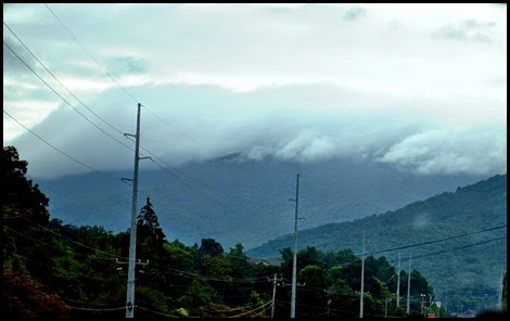 25c - clouds on the mountain