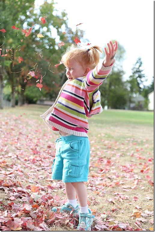 Sara throwing leaves (9)-blog
