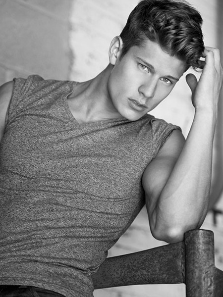 Eian Scully by Jon Malinowski 2