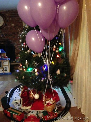 Elf on the shelf with balloons