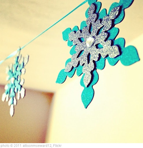 '#christmas #decor #snowflakes' photo (c) 2011, allisonmseward12 - license: http://creativecommons.org/licenses/by/2.0/