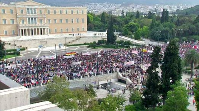 greece-protest-demonstration-at-angela-merkel-visit-to-athens-grab-1-1-522x293
