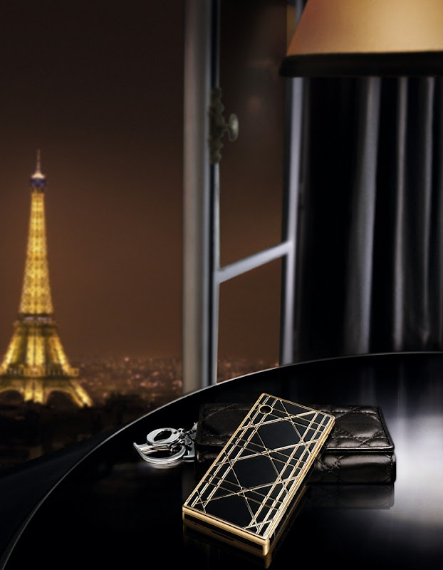 Black_gold_Eiffel