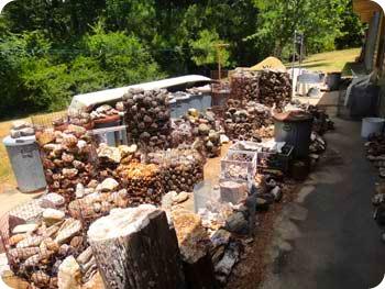 11-pile-outside