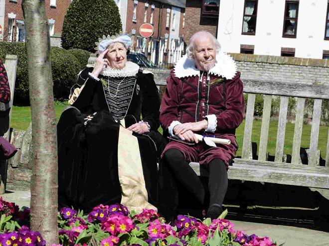 Шекспир со своей супругой Энн Хатауэй