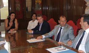 Da sinistra: i genitori di Anna Giulia, l'avvocato Miraglia, Pier Paolo Zaccai e il senatore Franco Cardiello