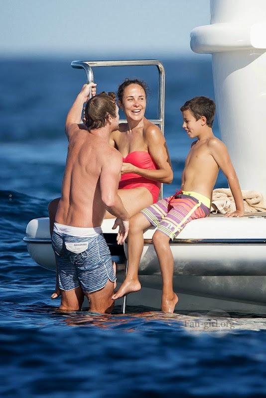 [Fotos] Simon Baker e Família (11.07.2014) 0603-683x1024
