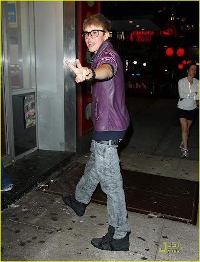 Justin-Bieber-Latest-Fashion-Nightout-Pictures