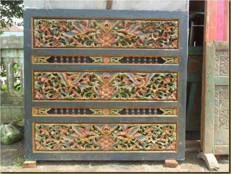 Ukiran kayu jati asli buatan lama dengan ukiran yang detail
