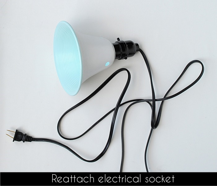reattach electrical sockets to clamp light head3