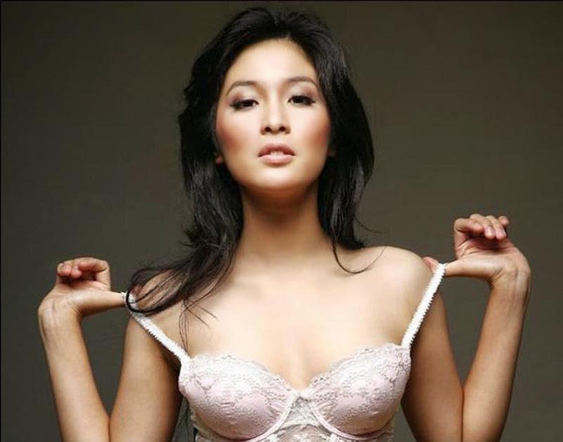 Hot IGO Sandra Dewi Mau Buka BH