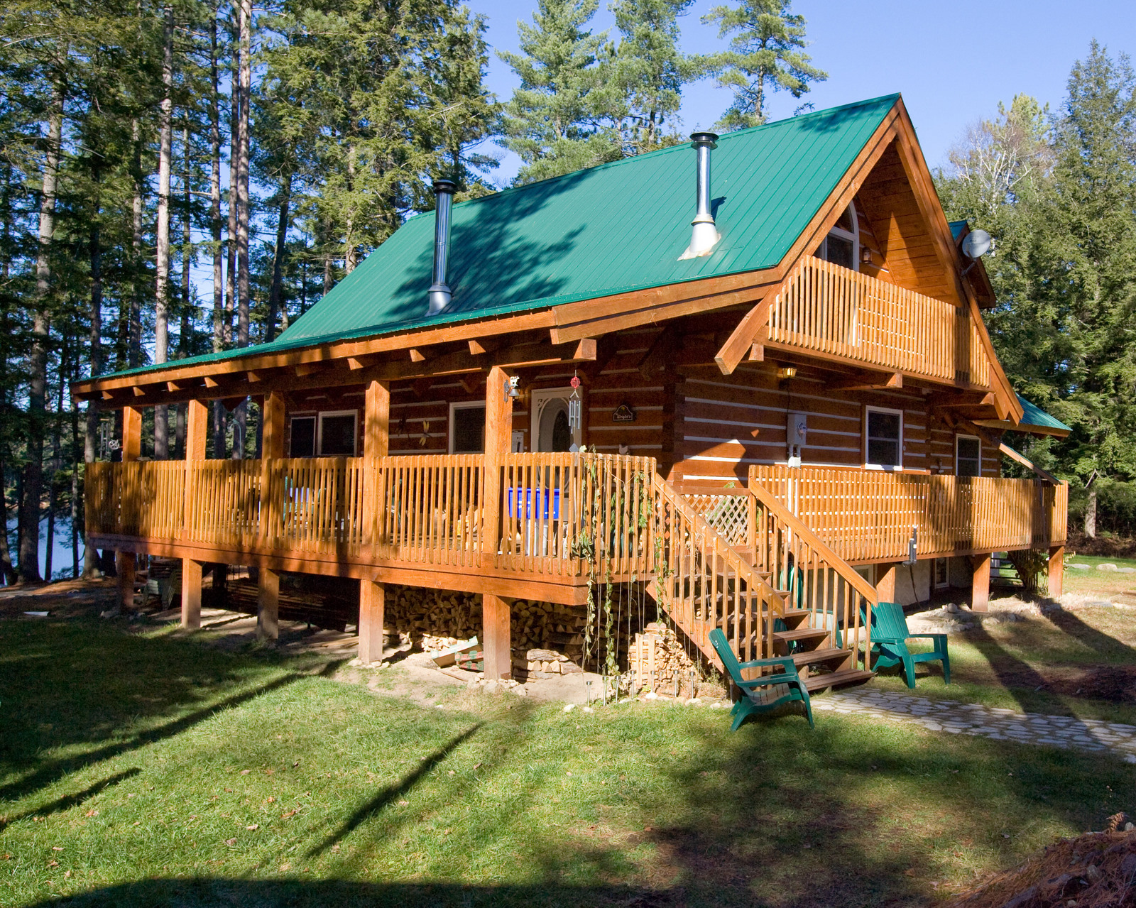 Affordable log homes cottages and cabins from vancouver for Canadian cabin plans