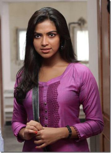 Jayam Ravi, Amala Apaul, Soori in Nimirnthu Nil Latest Stills