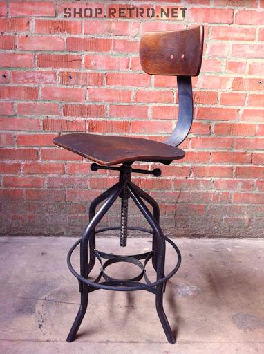VI Chair