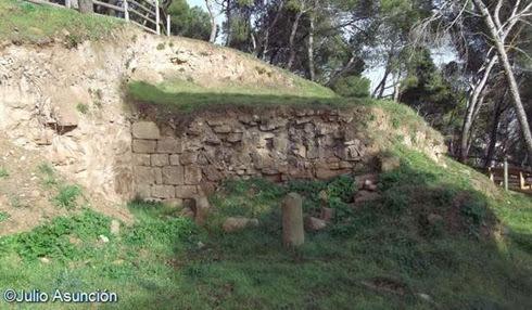 Restos de muros del castillo de Tafalla