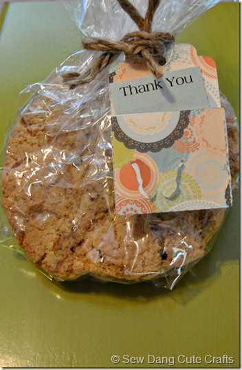 Thank-you-card-with-cookies
