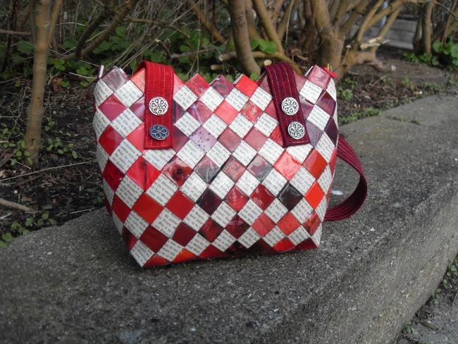 Den lille røde flettede taske til Dronningen