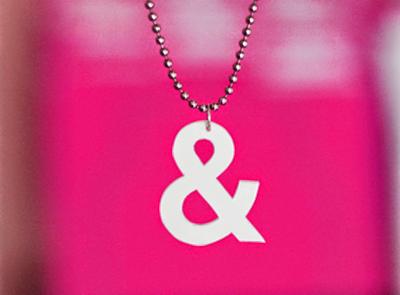 DIY-ampersand-pendant