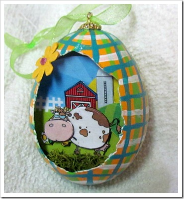 SuzysSitcomStore 3D Egg ornament
