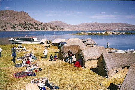 Things to do in Peru: visiting the Uros island on Titicaca lake