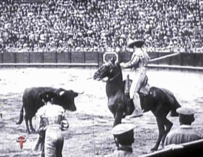 1914-04-22 Sevilla Joselito al quite