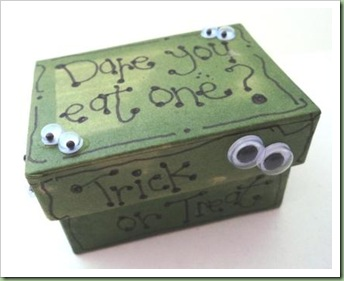 Halloween Trick ot Treat Box with frogs