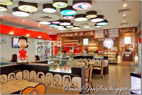 Charlie Brown Cafe (44)