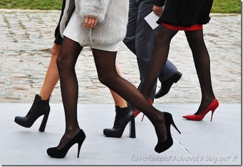gambe con calze velate