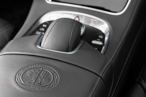 2014-Mercedes-Benz-S63-AMG-39.jpg