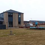 Klokken erotte søndag morgen. Naboerne sover sikkert, men Silje skulle ud og prøve trampolinen!