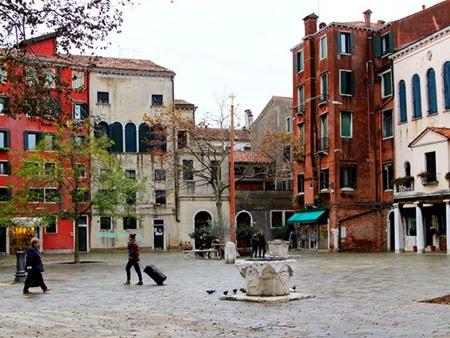 O Campo di Ghetto Nuovo, praça principal do gueto judaico em Veneza