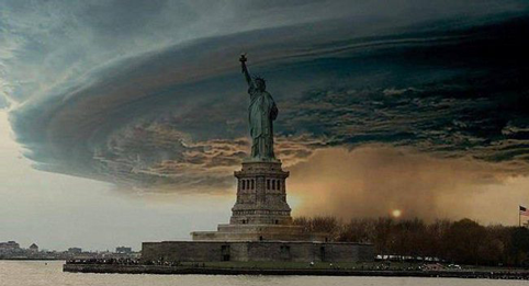 StormStatueOfLiberty