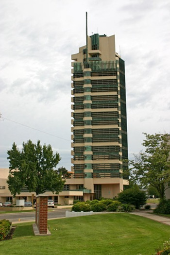 frank lloyd Price tower bartlesville oklahoma